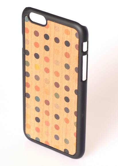 Wood'd iPhone 6-Hülle aus Holz Colored Pois